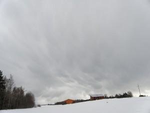Mulliline-rünksajupilv-talvel-Cumulonimbus-mamma-Cb-mam-foto-Kyllili-Vilu-2011.jpg