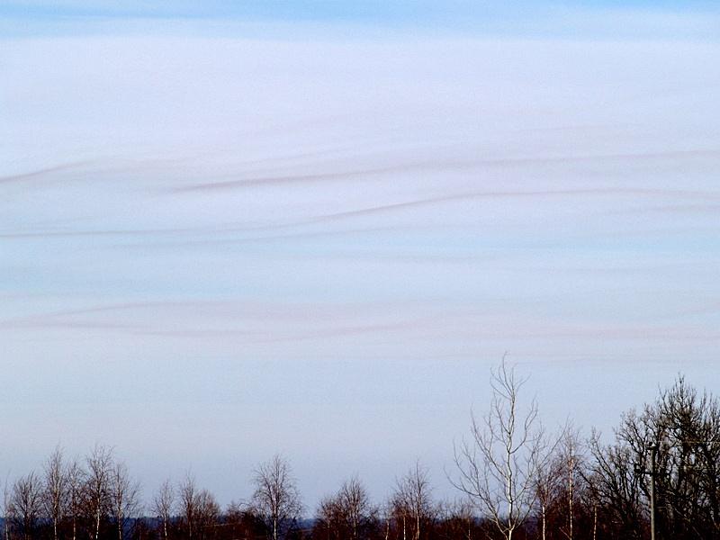 Lainelised kihtpilved Stratus undulatus (St un) (foto: Ülle Mürksepp, 2012)